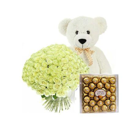 Подарочный набор с медведем, букетом и конфетами