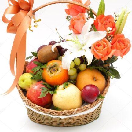 """Корзина """"Праздничная"""" с цветами и фруктами №1"""
