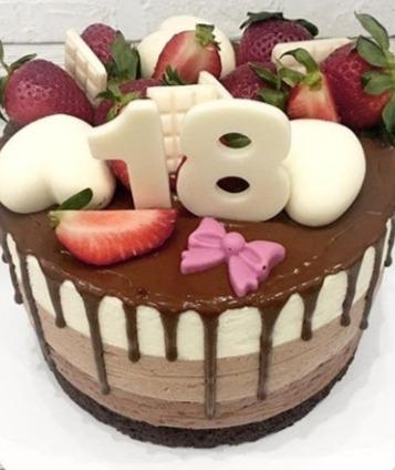 "Торт ""Чизкейк три шоколада""с цифрой 1.5 кг"